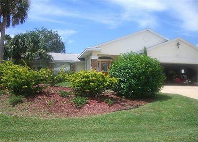 A private Palm Coast home all yours to enjoy - Palm Paradise House with Pool and HDTV and boat dock - Palm Coast - rentals