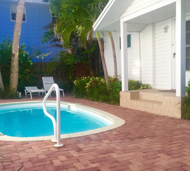 Beach Retreat - Image 1 - Clearwater Beach - rentals