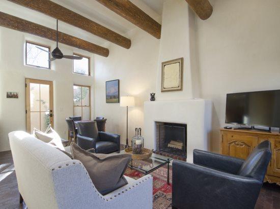 Great Room - Living - Dining  - Sweet Juniper - Santa Fe - rentals