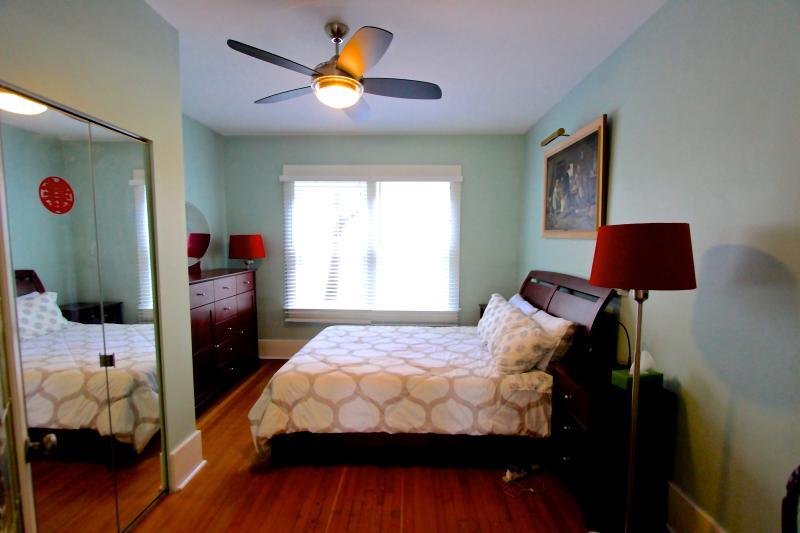 New Main Floor Room - 5 Bedroom West Side Vancouver Heritage House - Vancouver - rentals