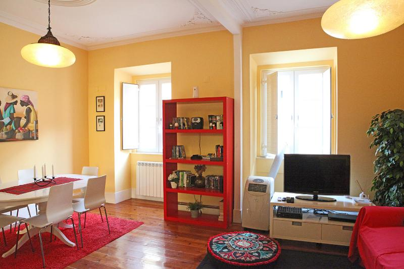 quiet flat in the middle of Bairro Alto - Image 1 - Lisbon - rentals