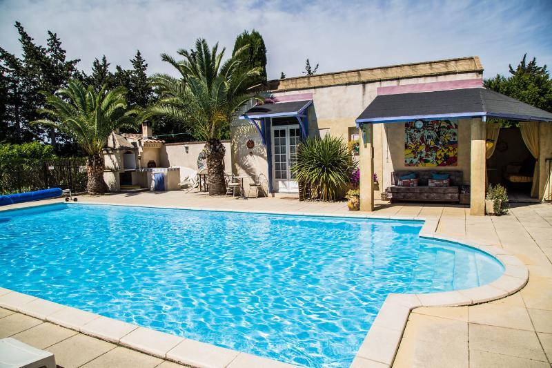"""Le Kiwi"" converted barn, sleeps 2, pool, Provence - Image 1 - Rognonas - rentals"