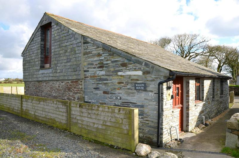 Wagon House, near Port Isaac, detached with garden - Image 1 - Cornwall - rentals