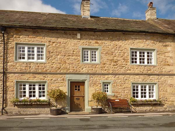 THE SQUARE, character holiday cottage in Masham, Ref 9858 - Image 1 - Masham - rentals