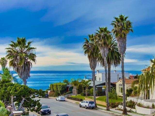 View from Living Room Balcony - Tiki Townhouse, Ocean Views, Walk to Beach - La Jolla - rentals
