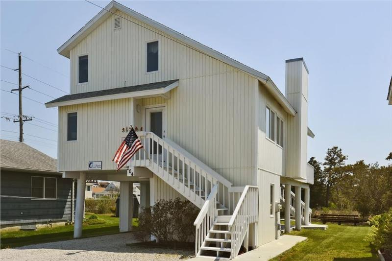 "Nice two story home located on the ""Loop Canal"" just a block and a half from the beach! - Image 1 - Bethany Beach - rentals"
