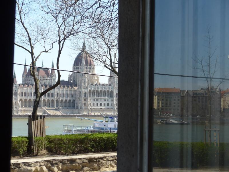 A panoramic view of the Parliament House awaits you by day... - 50 metres from the River Danube - Parliament view - Budapest - rentals