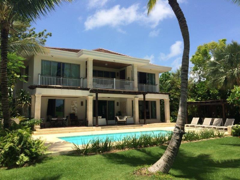Carefree Family Home, Tortuga Bay - Image 1 - Punta Cana - rentals