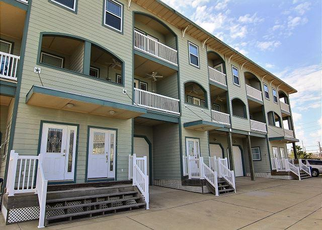 Spacious 2 bedroom 2 1/2 bath condo in Signal Point. - Image 1 - Port Aransas - rentals