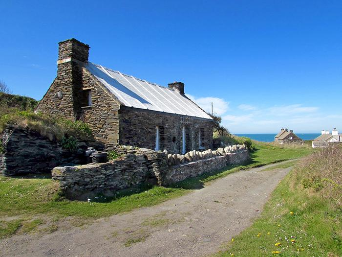 Holiday Cottage - Towyn, Abereiddy - Image 1 - Abereiddy - rentals