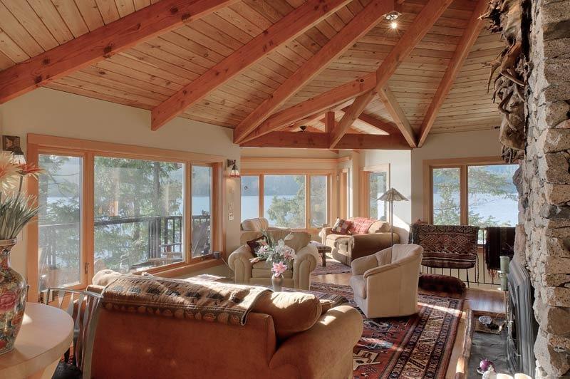 Endless windows, cedar ceilings and massive fir beams; classic West Coast design - SIMPLY THE BEST BEACH HOUSE WORLDCLASS OCEANFRONT - Sechelt - rentals
