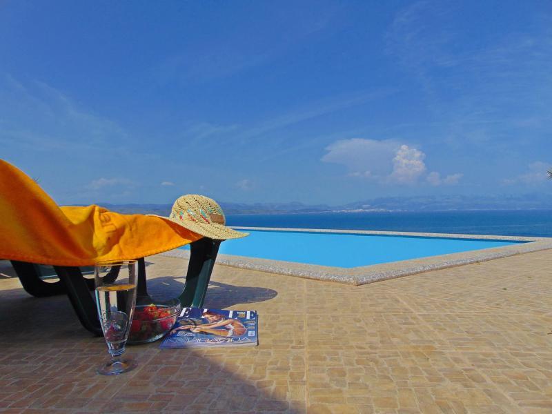 """Apartments """"Vila Vita"""" on Šolta Island Croatia (A) - Image 1 - Solta - rentals"""