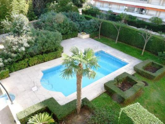 Golden Gate Delux Lovely 2 Bedroom with a Pool and Balcony - Image 1 - Cannes - rentals