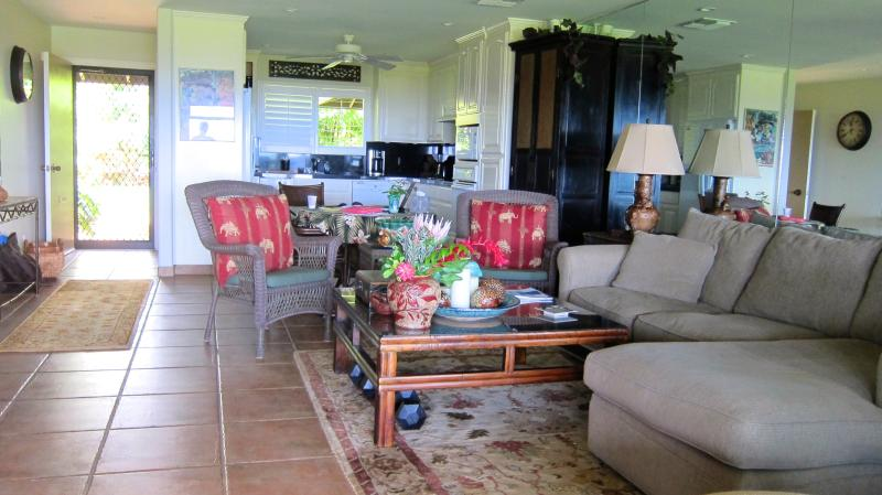 Large living room - Kaanapali Plantation, Huge Ocean View On Tee 13 - Lahaina - rentals