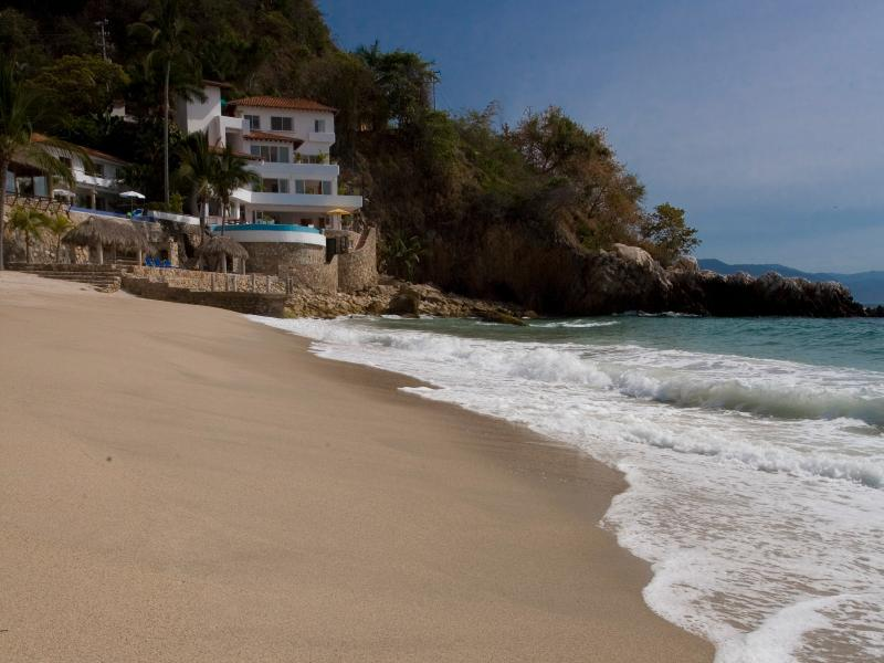 Villas Casa Salinas & Beach - Family Villa on Los Gatos Beach 6 Bedrooms w/Cook - Puerto Vallarta - rentals