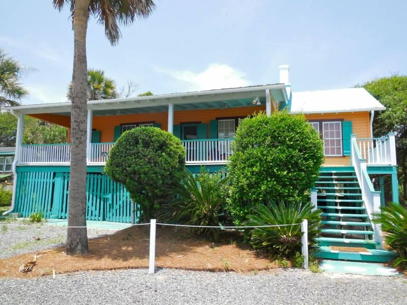 Exterior - Neptune's Folly - Folly Beach, SC - 3 Beds BATHS: 2 Full - Folly Beach - rentals