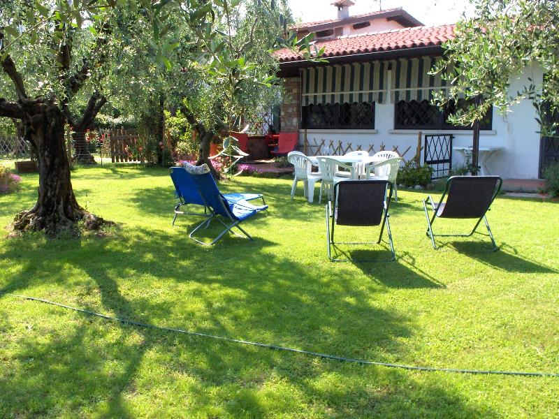The house and the garden - appartamento tra gli olivi del Garda 2/7  pax + ca - Moniga del Garda - rentals