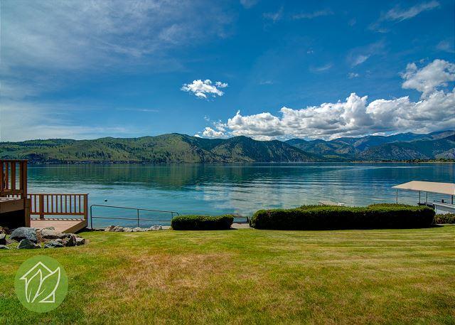 Northshore Lake Chelan Waterfront Retreat w/Private Dock & Pet Friendly - Image 1 - Manson - rentals