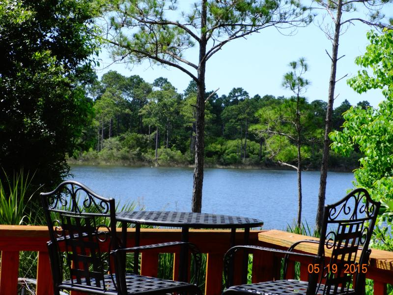Picturesque bar stools and table with deck water view unit 2515 - SPRING SUMMER SPECIALS FISHING PIER WATERVIEW POOL - Pensacola - rentals