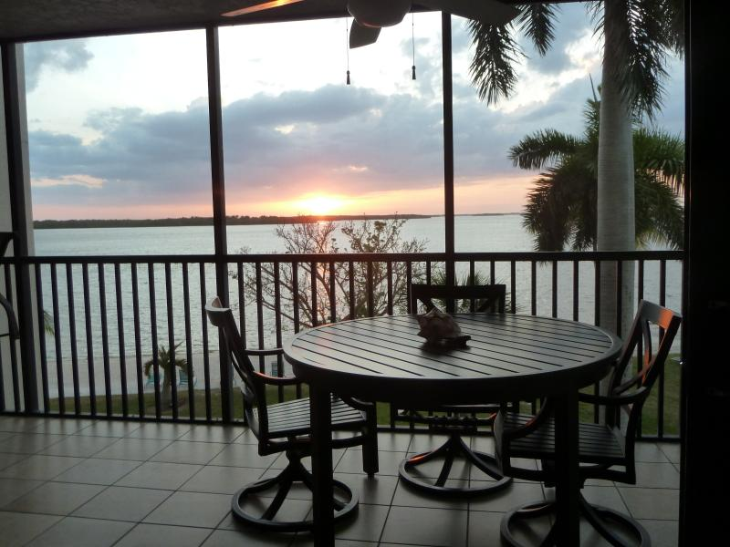 Lanai at Sunset - Luxury Condo in Marriott Sanibel Harbour Resort!! - Sanibel Island - rentals