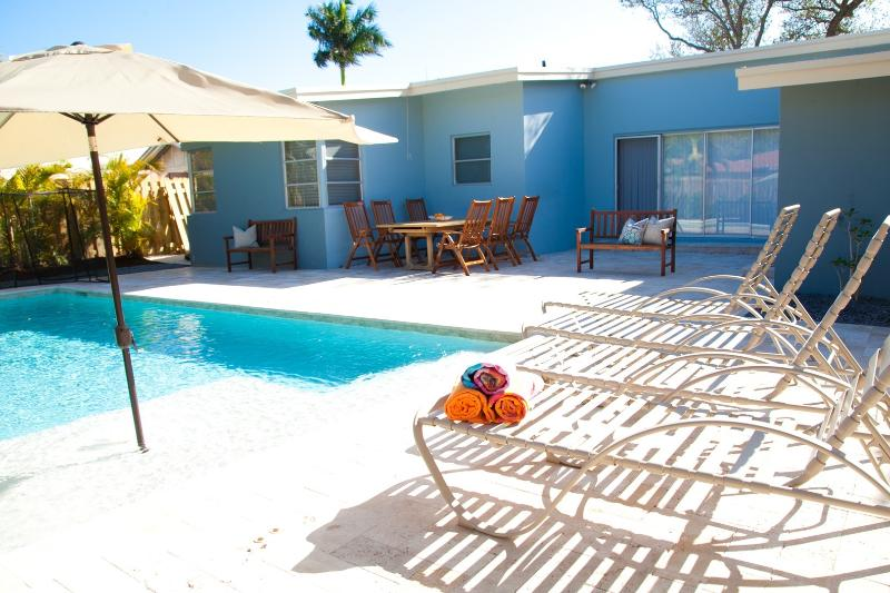 Hibiscus by the Sea: Saltwater Pool, Walk to Ocean - Image 1 - Fort Lauderdale - rentals