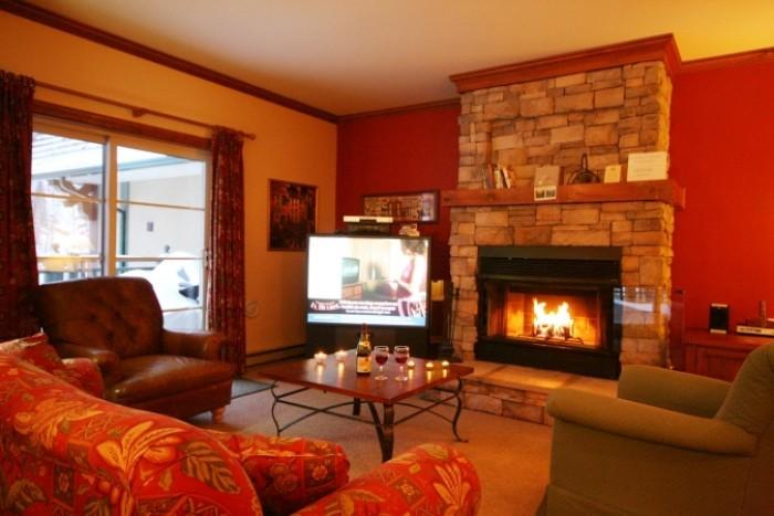 Heavenly 3 Bedroom-2 Bathroom House in Mont Tremblant (Le Plateau | 214-2) - Image 1 - Mont Tremblant - rentals