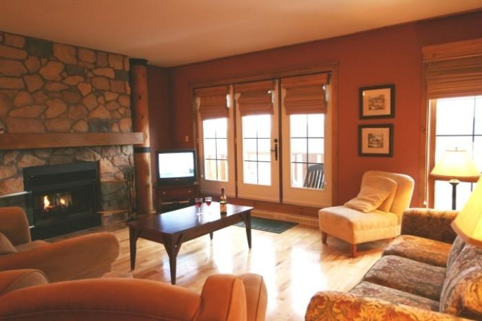 Super 2 Bedroom-2 Bathroom House in Mont Tremblant (L'Equinoxe | 152-10) - Image 1 - Mont Tremblant - rentals