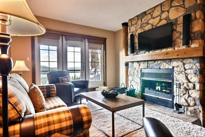 Wonderful 2 BR & 2 BA House in Mont Tremblant (L'Equinoxe | 154-3) - Image 1 - Mont Tremblant - rentals
