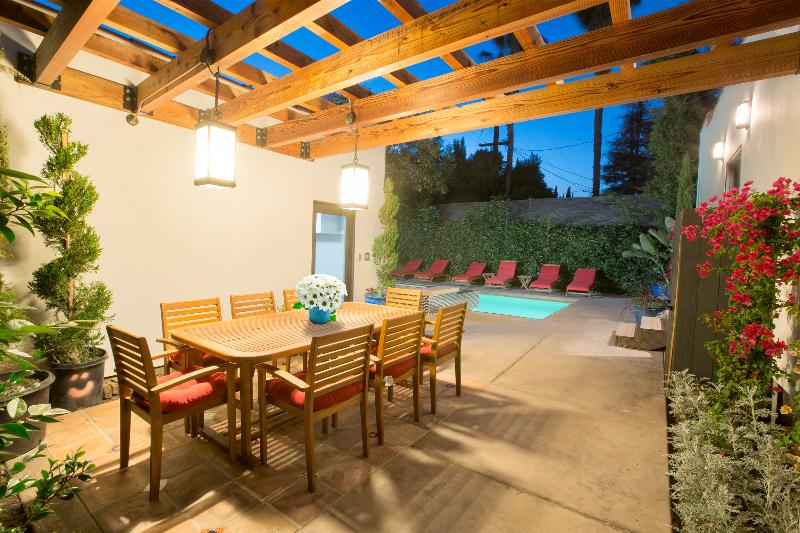 Private Outdoor Patio Dining area - WestHollywoodCasacom Luxury Home, Sleeps 10 - West Hollywood - rentals