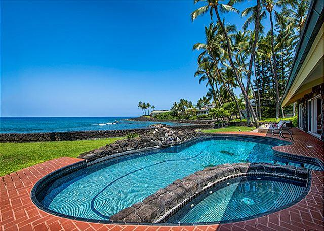 Oceanfront Pool & Jacuzzi - Oceanfront Luxury, FIVE King Beds + Bunkroom, Private Pool, Spectacular Views - Kailua-Kona - rentals