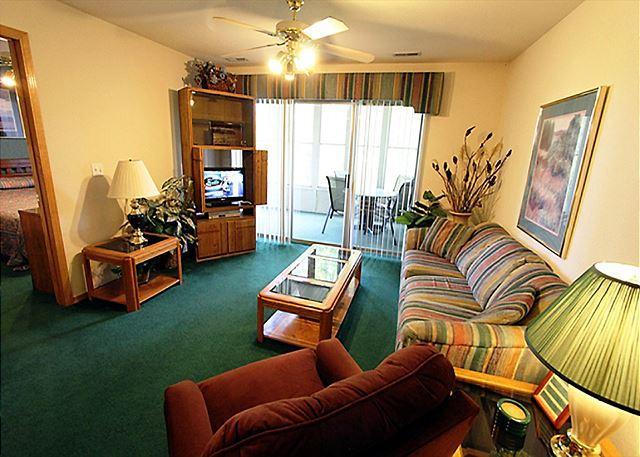 Living Room - Lakeside Getaway : 3 Bedroom, 3 Bath, Table Rock Lake Condo - Hollister - rentals