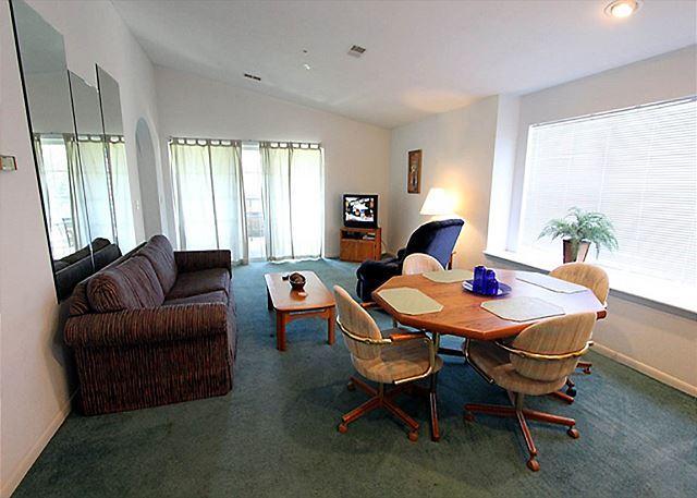 Living Room - Harmony Haven- 2 Bedroom, 2 Bath, Golf View Condo - Branson - rentals