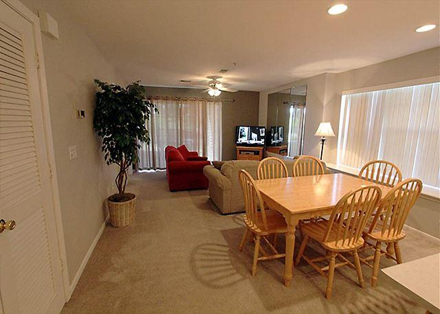 Living Room - The Lazy Ace- 2 Bedroom, 2 Bath, Holiday Hills Condo - Branson - rentals