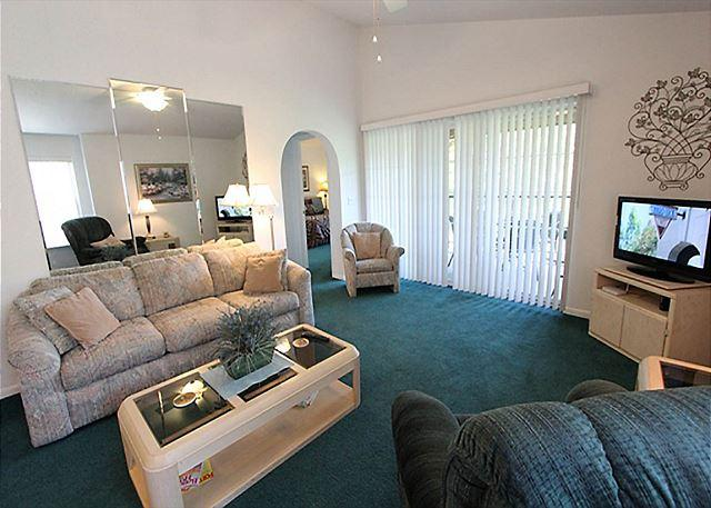 Living Room - Sunset Penthouse- 2 Bedroom, 2 Bath Condo with King Size Beds - Branson - rentals