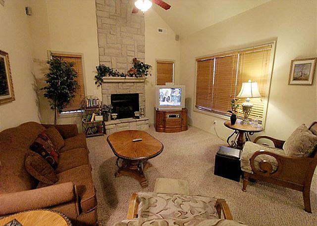 Living Room - Tranquility Place- 3 Bedroom, 3 Bath, Stonebridge Resort Villa - Branson West - rentals