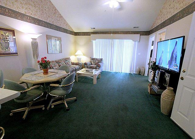 Living Room - Thousand Hills Golf View- 2 Bedroom, 2 Bath Condo Overlooks Golf Course - Branson - rentals