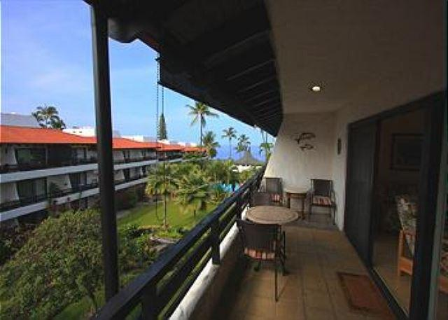 Casa De Emdeko 321 Remodeled , Top Floor, AC included!! - Image 1 - Kailua-Kona - rentals