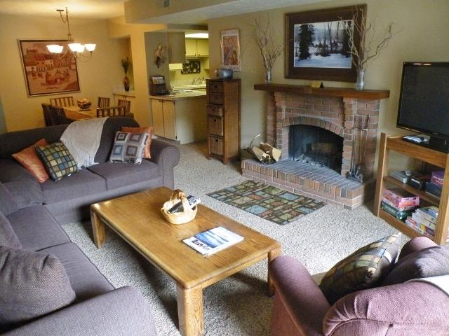 Living Room - Seating for 6, Wood fireplace, Flat panel/DVD, Prvt balcony. Queen Pullout - Best Loc., Comfort, Service and Value (#145) - Park City - rentals