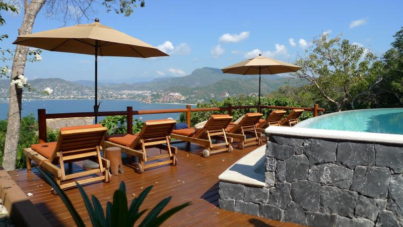 At Solana the view of Zihuatanejo bay is mesmerizing - Solana hillside villa with stunning bay views - Zihuatanejo - rentals