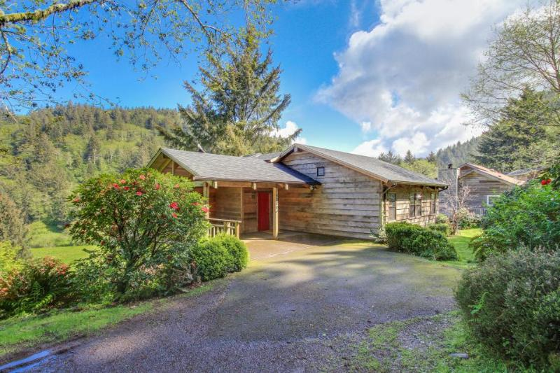 Peaceful, pristinely decorated, and beautiful views. - Image 1 - McMinnville - rentals
