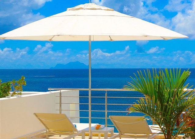 2 bedroom, 3.5 bathroom penthouse on Simpson Bay Beach - Image 1 - Saint Martin-Sint Maarten - rentals