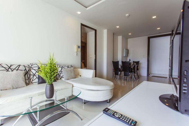 Spacious 2 BR Apartment Near Beach! - Image 1 - Patong - rentals