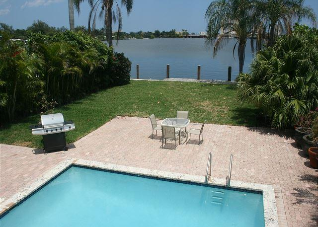 Lake House Very Private Endless Water Views 5/3 Sleeps 16 Heated near Beach - Image 1 - Hollywood - rentals