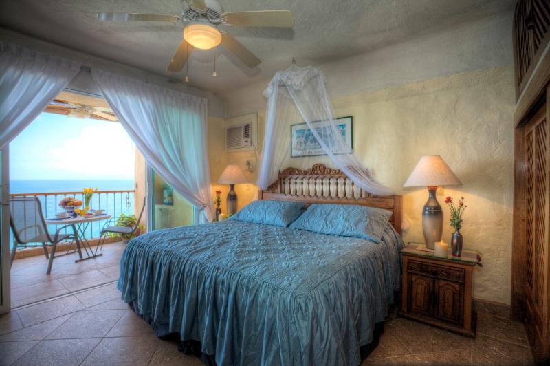 Ocean front Fabulous 2bedroom 2 bathroom condo . - Image 1 - Puerto Vallarta - rentals