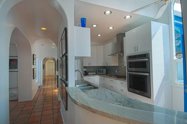 Picture showing the kitchen and unique architecture of the unit - 507 A 29th Street- Upper 4 Bedrooms 3.5 Baths - Newport Beach - rentals
