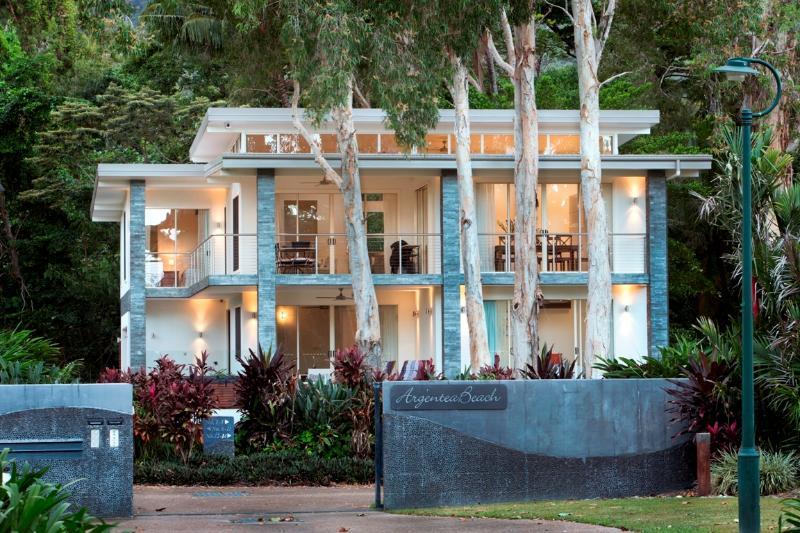 Argentea Beach House - Image 1 - Port Douglas - rentals