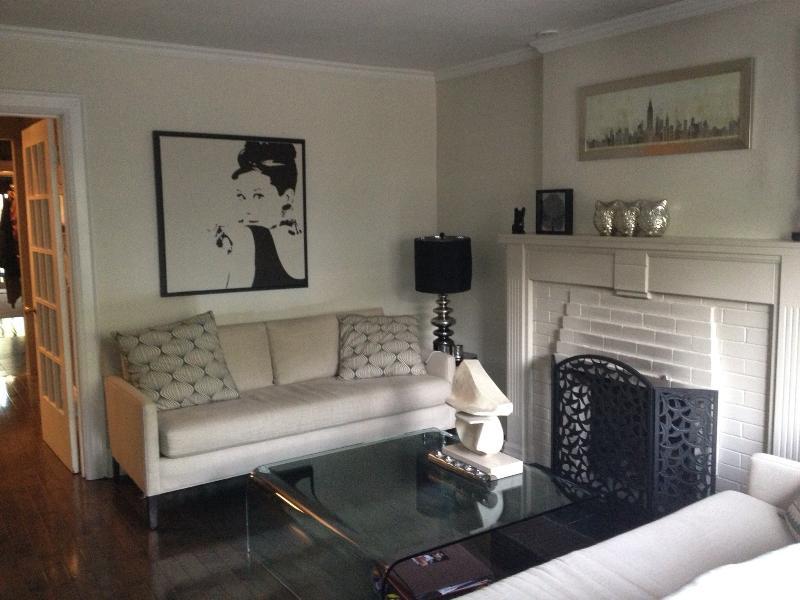 Luxurious & Modern at Yonge and Eglinton - Image 1 - Toronto - rentals
