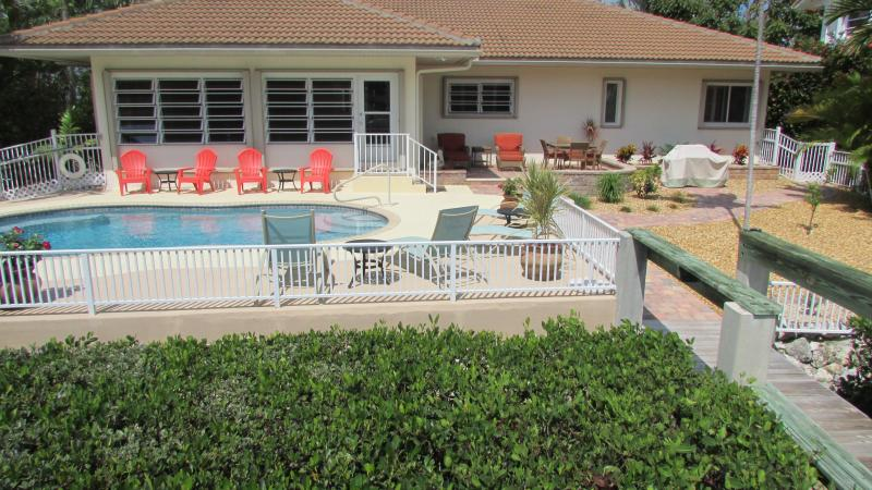 Pool/Lounging Area - Lots of Seating in Sun or Shade - Tropical Pool Home-Few 2015 Weeks Still Available! - Key Colony Beach - rentals