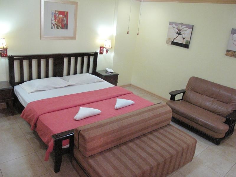 Bedroom - Executive 1Br. Apartment Makati Ave. (802) - Makati - rentals