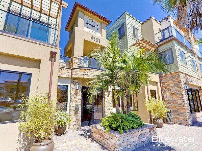 Pacific Blue Three - Vacation Rental on Border of Pacific and Mission Beach - Image 1 - Pacific Beach - rentals